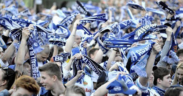 Fanoušci mohli sledovat v Brně na velkoplošné obrazovce první finále play off hokejové extraligy, Kometa hrála v Třinci.