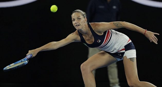 Tenistka Karolína Plíšková během čtvrtfinále Australian Open proti Barboře Strýcové.