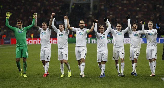 Fotbalisté Viktorie Plzeň slaví výhru na půdě CSKA Moskva v utkání Ligy mistrů.