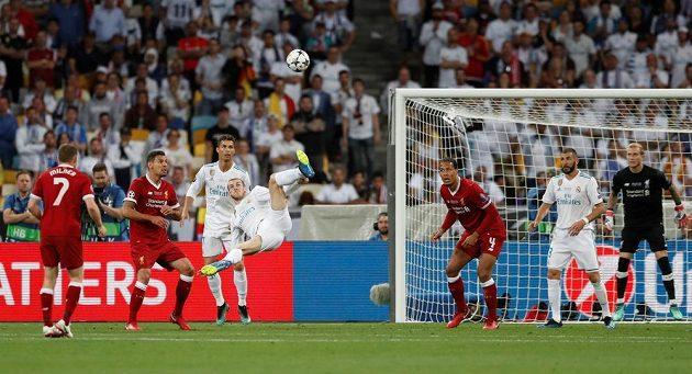 Parádní trefa Garetha Balea ve finále Ligy mistrů.