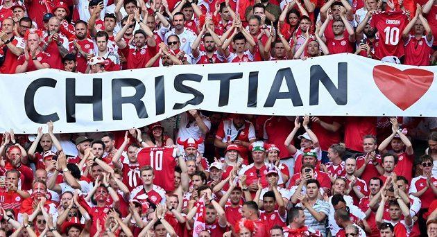 Dánští fanoušci podpořili Christiana Eriksena