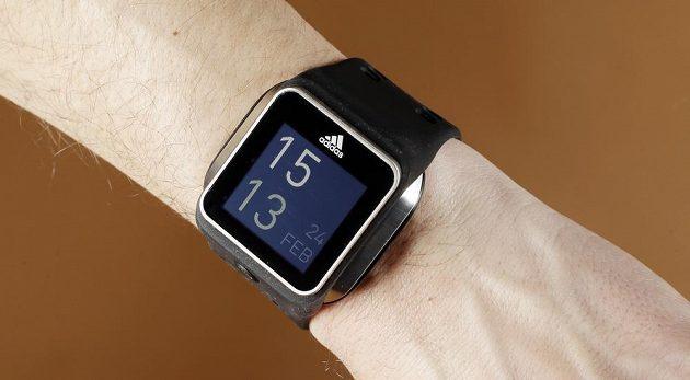Digitální hodinky Adidas Micoach.