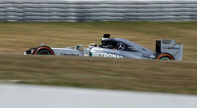 Britský jezdec F1 Lewis Hamilton ze stáje Mercedes během Velké ceny Španělska.