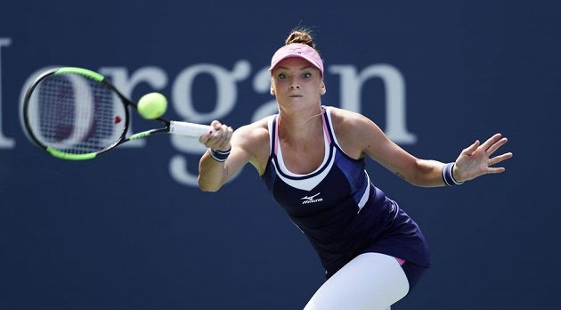 Tereza Martincová při utkání s Karolínou Plíškovou.