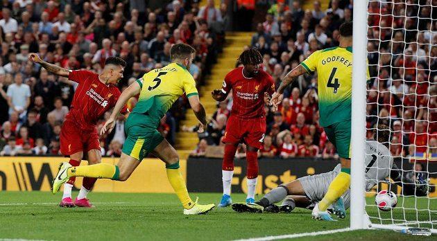 Fotbalisté Liverpoolu nasázeli už během první půle do sítě Norwiche čtyři branky.