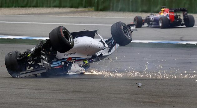 Felipe Massa a jeho Williams naruby.