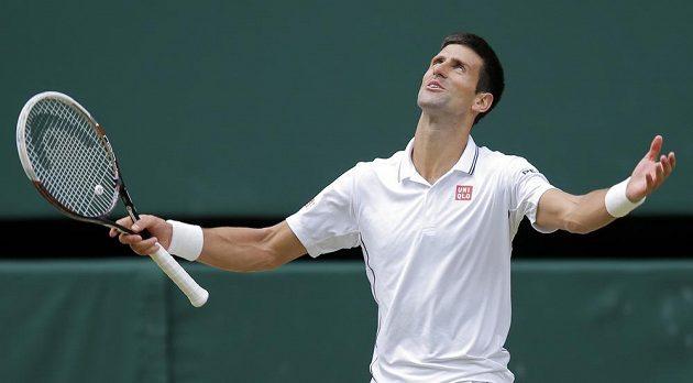 Novak Djokovič nabízel celé spektrum gest.
