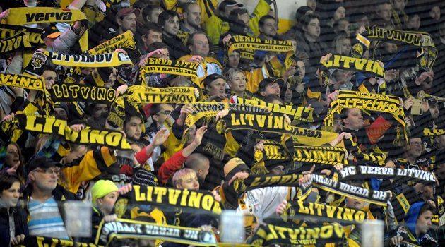 Fanoušci Litvínova se radují z vítězství nad Spartou.