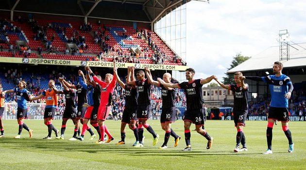 Huddersfield oslavil návrat do nejvyšší soutěže po 45 letech vítězstvím 3:0 na hřišti Crystalu Palace