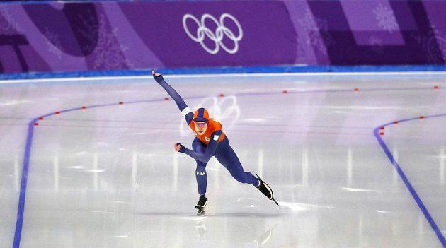 Ireen Wüstová na olympijské trati 1000 metrů.