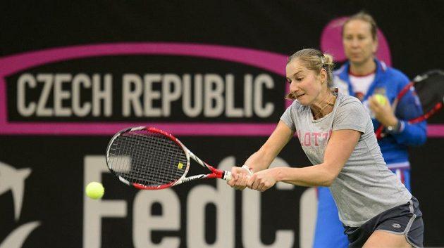 Ruská tenistka Jekatěrina Makarovová během úterního tréninku v O2 areně.