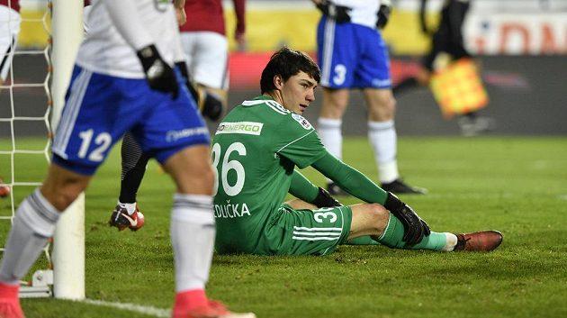 Boleslavský brankář Martin Jedlička při utkání na Spartě.