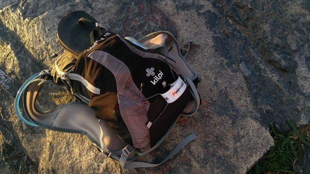 Běžecký batůžek Kilpi Cadence 10L: do batohu se vejde opravdu hodně.