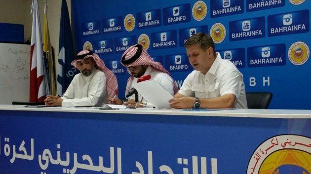 Trenér bahrajnské fotbalové reprezentace Miroslav Soukup během tiskové konference.
