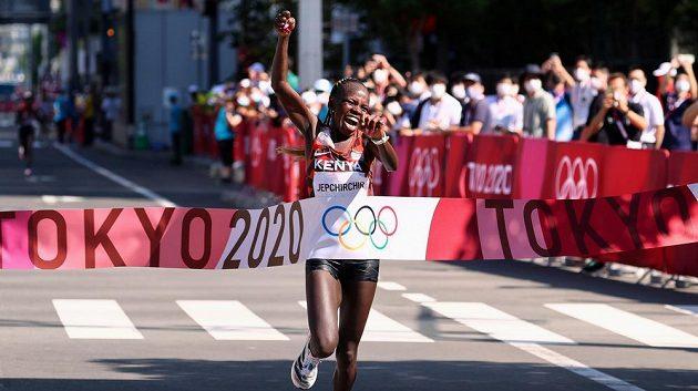 Keňanka Peres Jepchirchirová vyhrála v Sapporu maraton.
