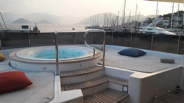 Luxusní jachta Bebe, kterou dostane na týden do užívání vítěz Turecké rallye.