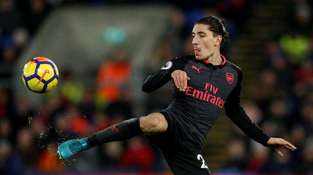 Hector Bellerín z Arsenalu v akci.
