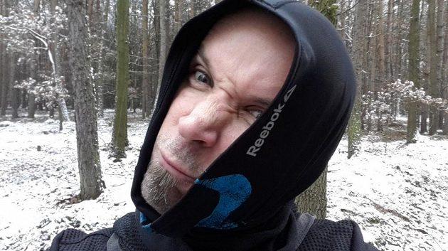 """Když je zima největší, nosím ho """"na babičku""""."""
