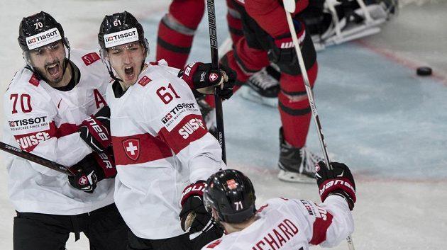 Gól, Švýcaři zdramatizovali zápas s Kanadou.