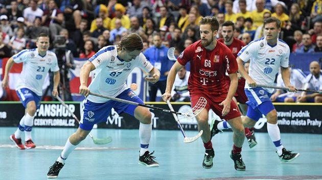 Zleva Miko Kailiala z Finska a český reprezentant Patrik Dóža.