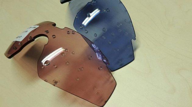 Brýle Wiley X Saber Advanced: Zásah brokovnicí - sklo drží.