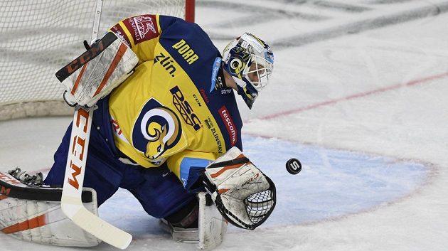 Zlínský brankář Libor Kašík v utkání se Spartou.