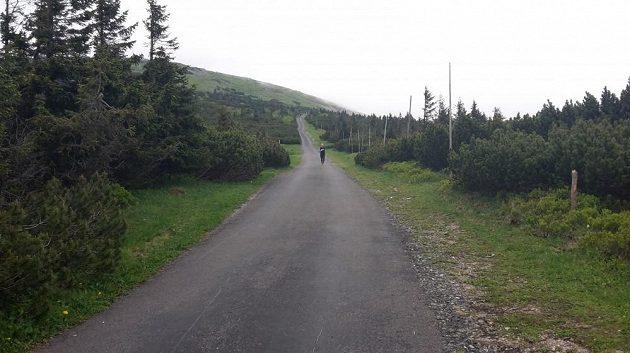 Nekonečný kopec dolů - kilometry zdarma.