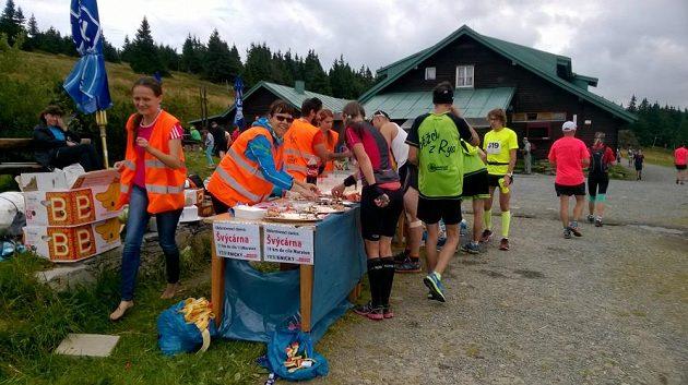 Jesenický maratón: Občerstvovačka s milou rozhodla.