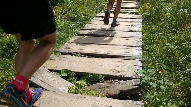 Jesenický maratón: Některé cesty jsou naboso náročné.