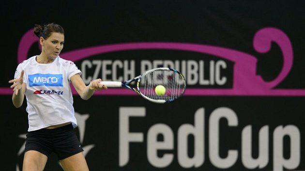 Česká tenistka Lucie Šafářová během úterního tréninku v O2 areně.