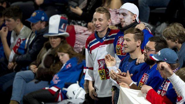 Čeští fanoušci na MS při utkání s Kanadou.