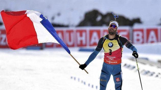 Vítěz stáhacího závodu na mistrovství světa v biatlonu - Francouz Martin Fourcade.
