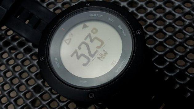Suunto Ambit3 Vertical: Navigace pomocí kompasu.