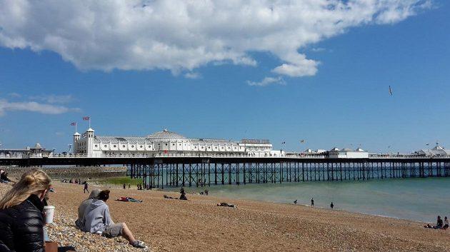 Brighton Marathon - Tady na tu pláž si pak lehnu a budu se oddávat regeneraci.