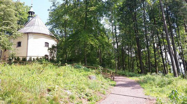 Janská kaple - další z vrcholů běžeckého kolečka.
