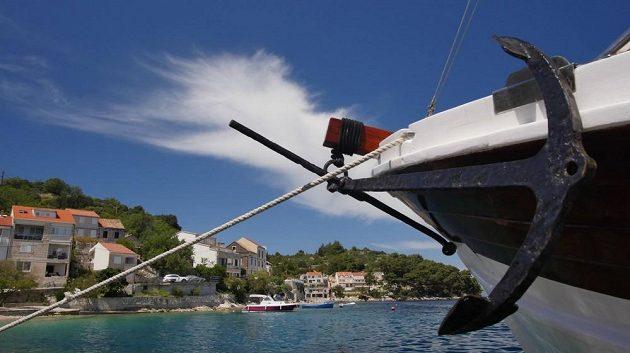 Běhat po ostrovech, žít na lodi. Pro někoho dovolená snů.
