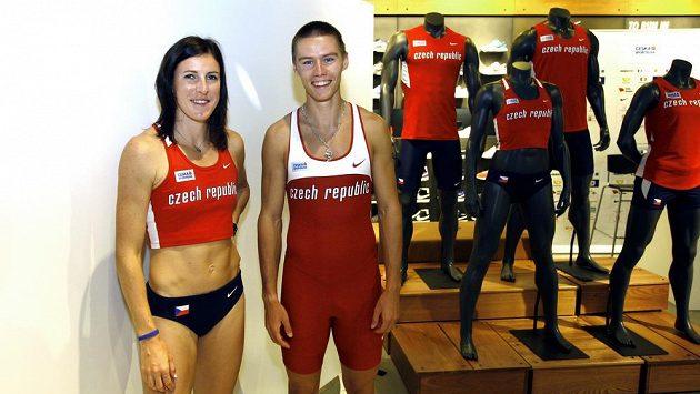 Atleti Zuzana Hejnová a Pavel Maslák v nových dresech.