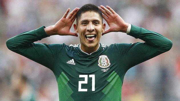 Vysmátí Mexičané! Edson Alvarez slaví po vítězném utkání s Německem na mistrovství světa v Rusku.