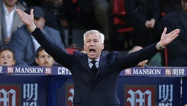 Alan Pardew, kouč Crystal Palace v akci...