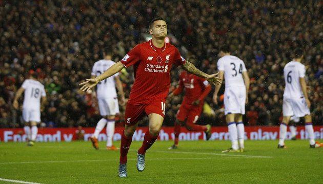 Philippe Coutinho z Liverpoolu se raduje ze své trefy proti Crystal Palace.