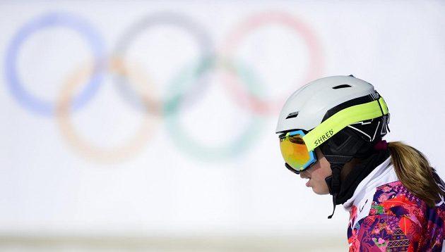 Snowboardistka Ester Ledecká v cíli osmifinále paralelního slalomu.