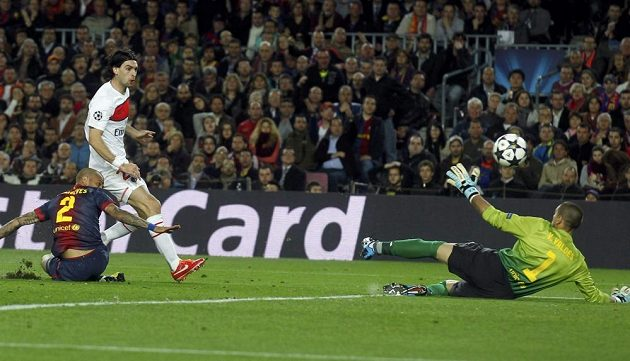 Javier Pastore takhle poslal Paris St. Germain do vedení nad slavnou Barcelonou.