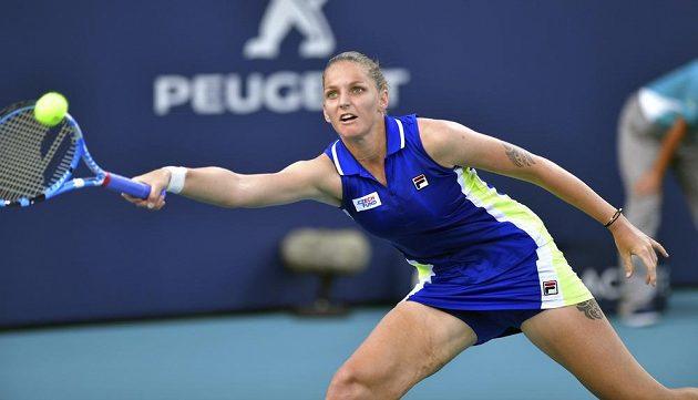 Bojovnice Karolína Plíšková slaví postup v Miami. Česká tenistka po boji porazila Alize Cornetovou z Francie.