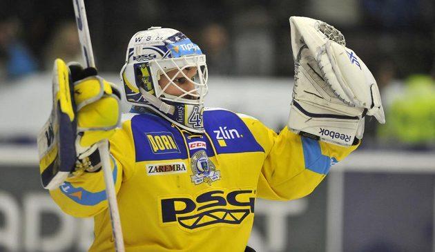 Zlínský brankář Libor Kašík se raduje z vítězství nad Spartou.