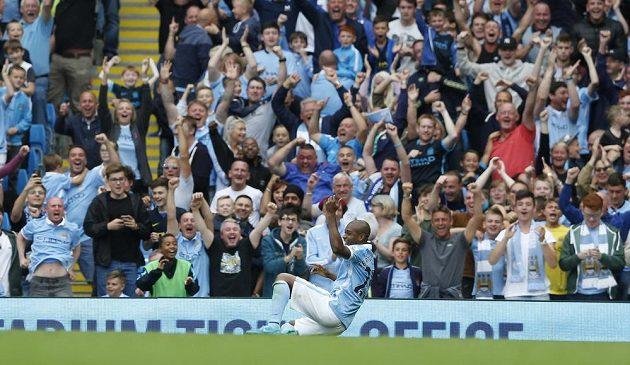 Fernandinho z Manchesteru City jásal poté, co dorazil Chelsea třetí brankou.