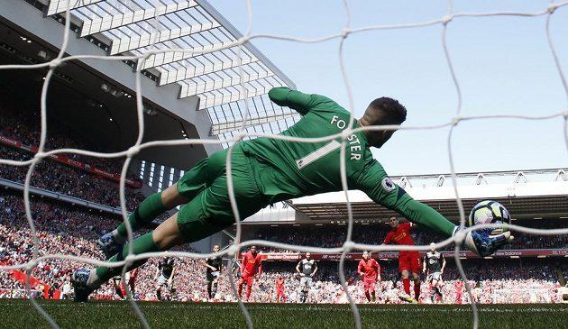 James Milner z Liverpoolu v utkání Premier League proti Southamptonu nedal gól dokonce ani z penalty. Tu mu zlikvidoval brankář Fraser Forster.