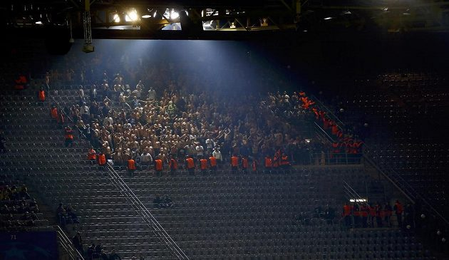 Fanouškům Legie Varšava věnovali organizátoři v Dortmundu výraznou péči.