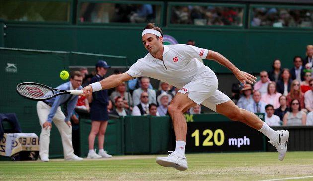 Roger Federer držel se světovou jedničkou v prvním setu krok