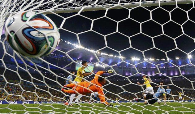 Druhý gól v síti uruguayského brankáře Muslery.