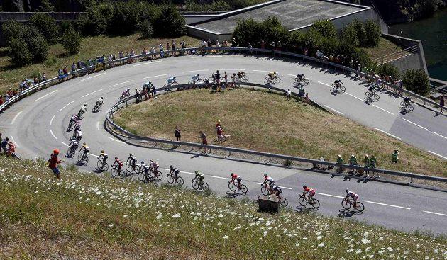 Chris Froome udržel žlutý trikot pro lídra Tour ve všech horských testech, které organizátoři na peloton připravili.